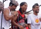 Incansável, Ronaldinho Gaúcho participa do Carnaval carioca