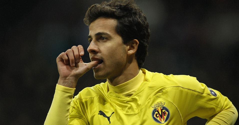 Nilmar saiu do banco e selou a vitória do Villarreal por 3 a 2 sobre o Bayer Leverkusen com dois gols
