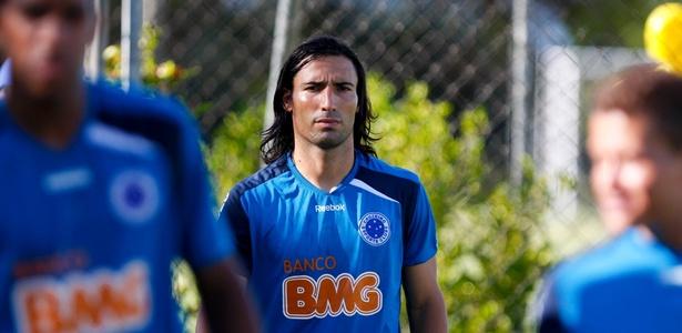 Farías ficou até 2014, mas passou a maior parte do tempo treinando em separado