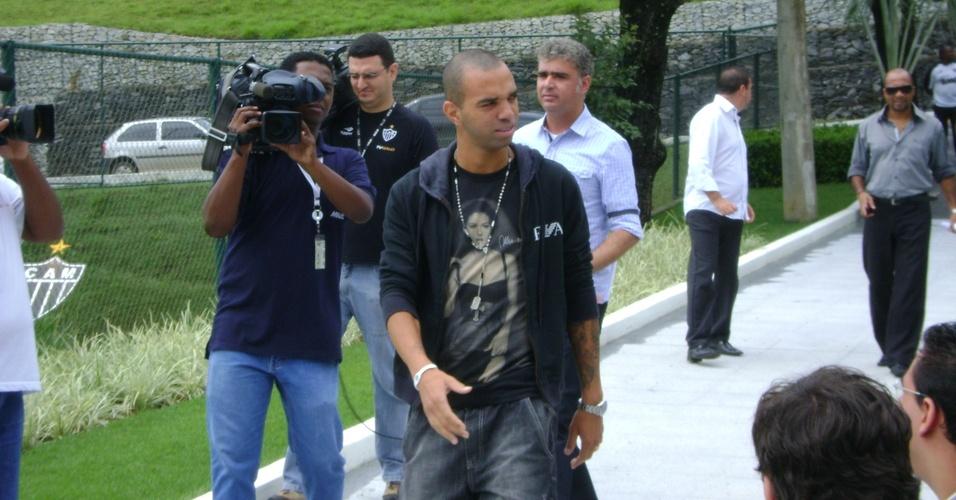 Diego Tardelli chega à Cidade do Galo para se despedir do Atlético-MG