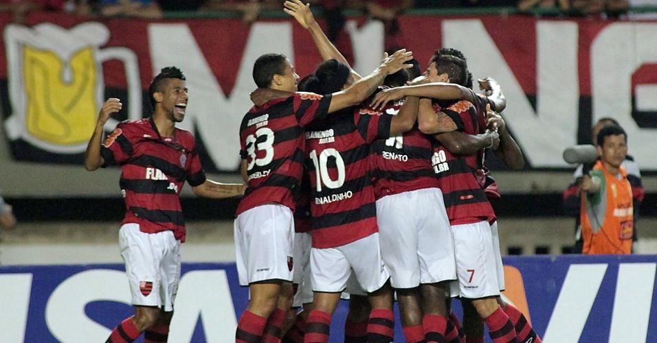 Flamengo comemora gol contra Fortaleza na Copa do Brasil com Ronaldinho Gaúcho
