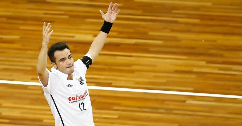 Falcão comemora gol na vitória sobre o Carlos Barbosa
