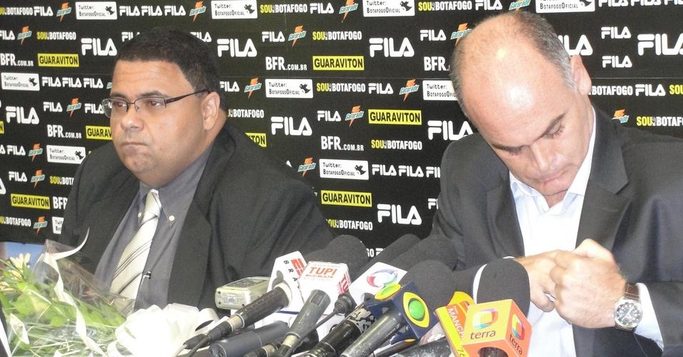 André Silva e Maurício Assumpção estiveram na última coletiva de Joel Santana no Botafogo