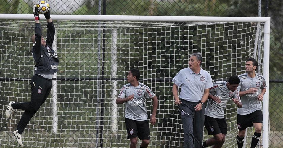 Júlio César, Jorge Henrique, Tite, Paulinho e Leandro Castan no treino do Corinthians