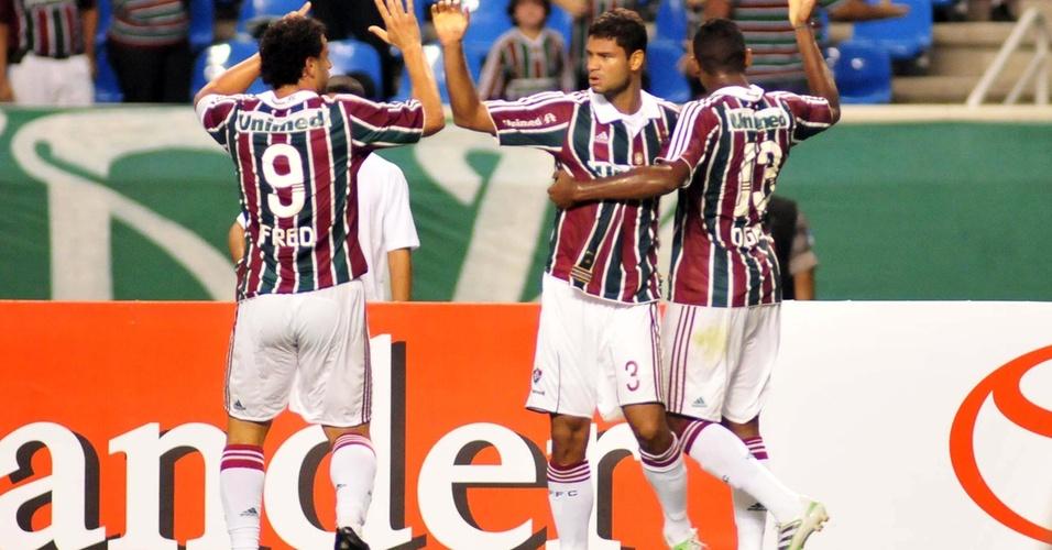 Gum marca e comemora gol do Fluminense contra América-MEX
