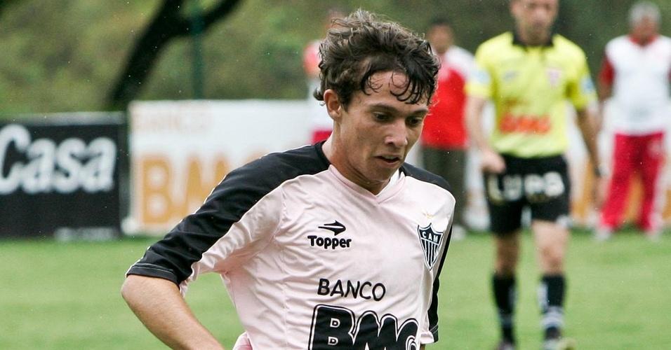 Bernard durante treino do Atlético-MG