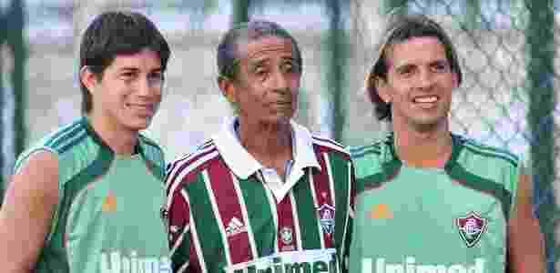 Altair visitou o Fluminense em 2011 e tirou fotos com o meia Conca e o volante Diguinho - Wallace Teixeira/Photocamera