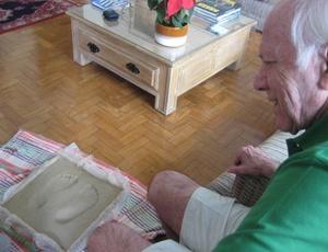 Bellini recebe homenagem do Avaí e terá os pés imortalizados na calçada da fama da Ressacada