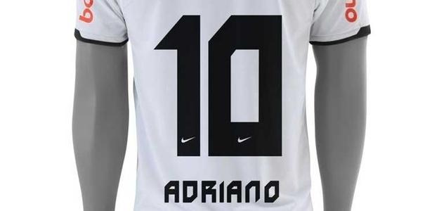 Camisa de Adriano com o número 10, que já está sendo pré-vendida pelo site do Corinthians