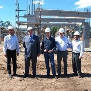 Arena do Grêmio deve ficar pronta até 2013 e as obras estão adiantadas após parada por greve
