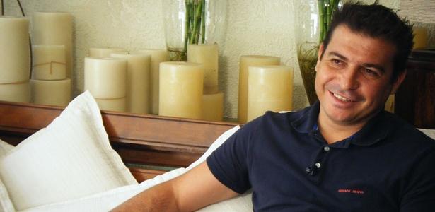 Luizão em entrevista para o UOL Esporte; atacante estava em acidente em Arandu