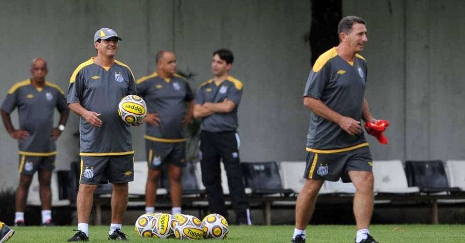 Muricy comando o primeiro treino no Santos (07/04/2011)