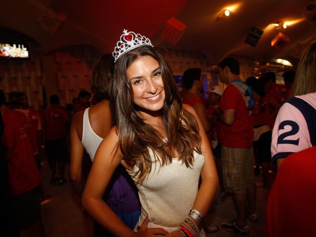 Fernanda Paes Leme no camarote de Daniela Mercury em Salvador, em 2010