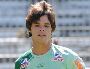 Sem muito espaço no Vasco, Renato Augusto foi emprestado ao Atlético-GO até o fim deste ano