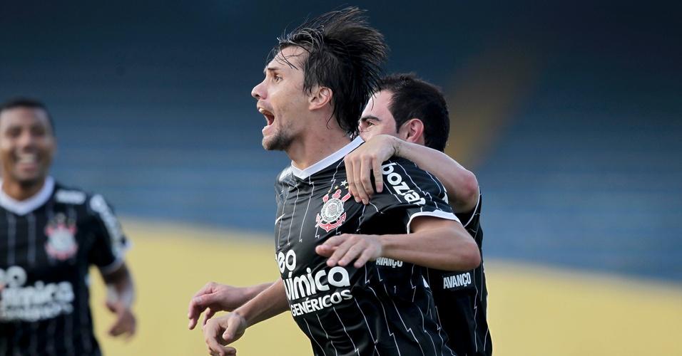 Paulo André marca na partida contra o Santo André pelo Paulistão (17/04/11)