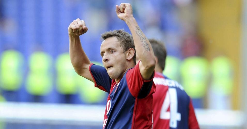 Rafinha comemora o seu gol na vitória do Genoa sobre o Brescia por 3 a 0
