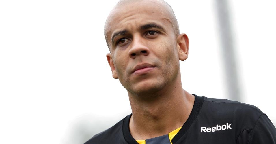 Zagueiro Alex Silva durante treino do São Paulo (01/10/2010)