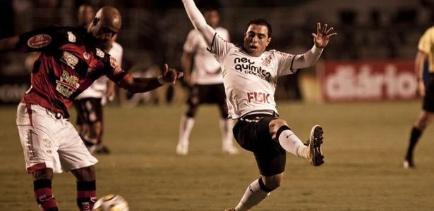 Bruno César em lance de Corinthians 2 x 1 Oeste (23/04/2011)