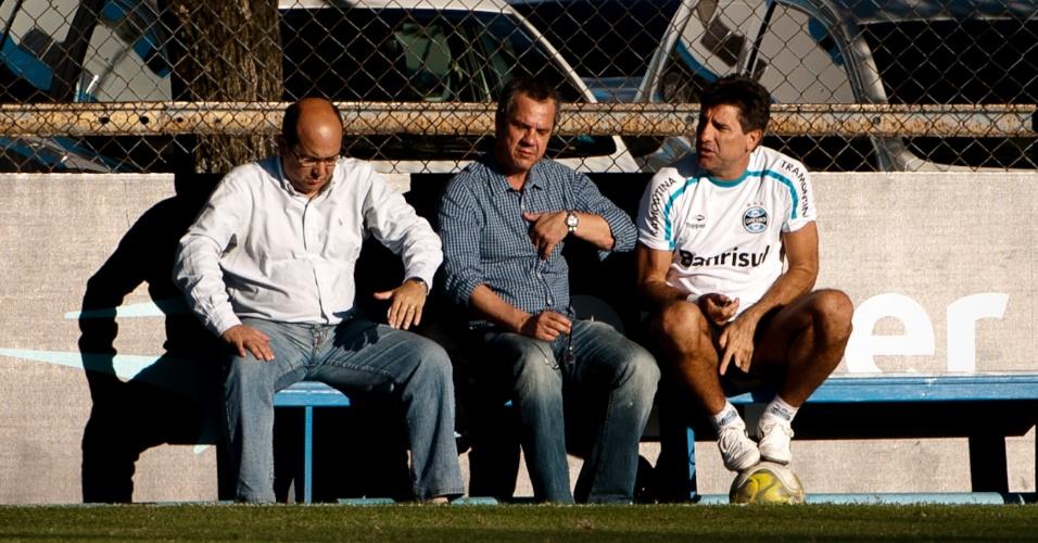 César Cidade Dias, Antônio Vicente Martins e Renato Gaúcho em treino (27/04/2011)