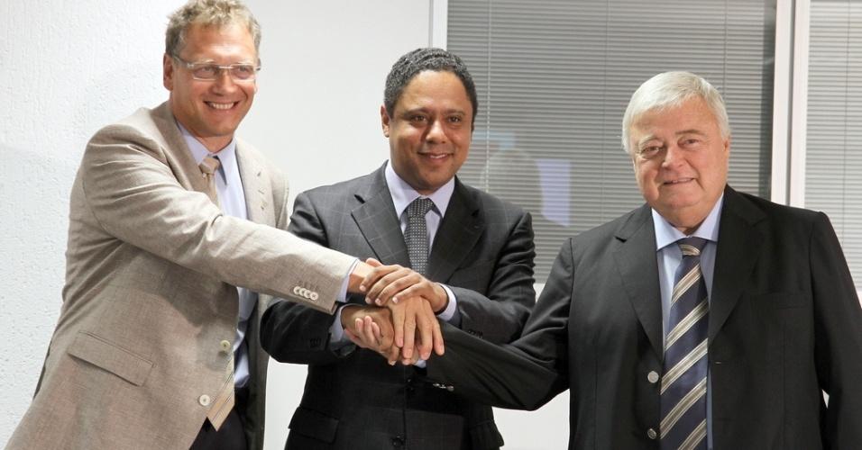 Jeróme Valcke, dirigente da Fifa, Orlando Silva, ministro do Esporte, e Ricardo Teixeira, presidente da CBF, se reúnem em Brasília para tratar da Copa de 2014 (29/04/2011)