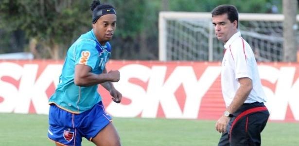 Ronaldinho Gaúcho treina nesta sexta-feira, no CT Ninho do Urubu (29/04/2011)