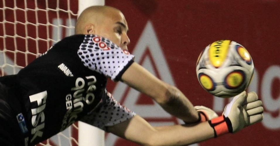 Goleiro Júlio César defende cobrança na decisão por pênaltis entre Corinthians e Palmeiras