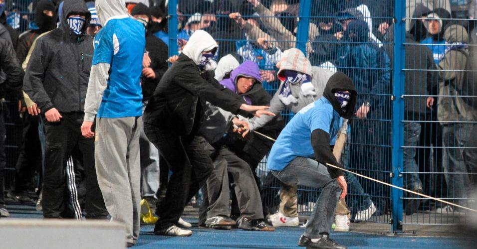Hooligans da Polônia depredam estádio após partida da Copa da Polônia