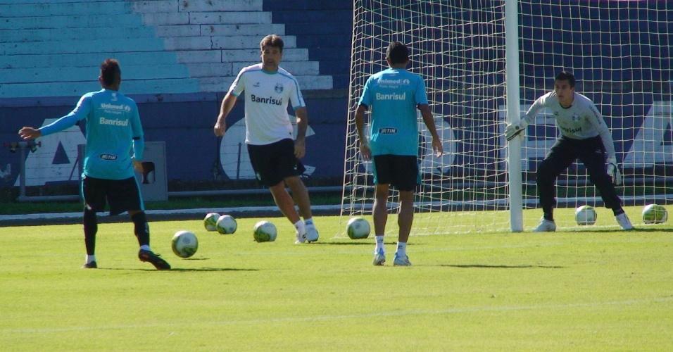 Renato Gaúcho participa de recreativo do Grêmio (07/05/2011)