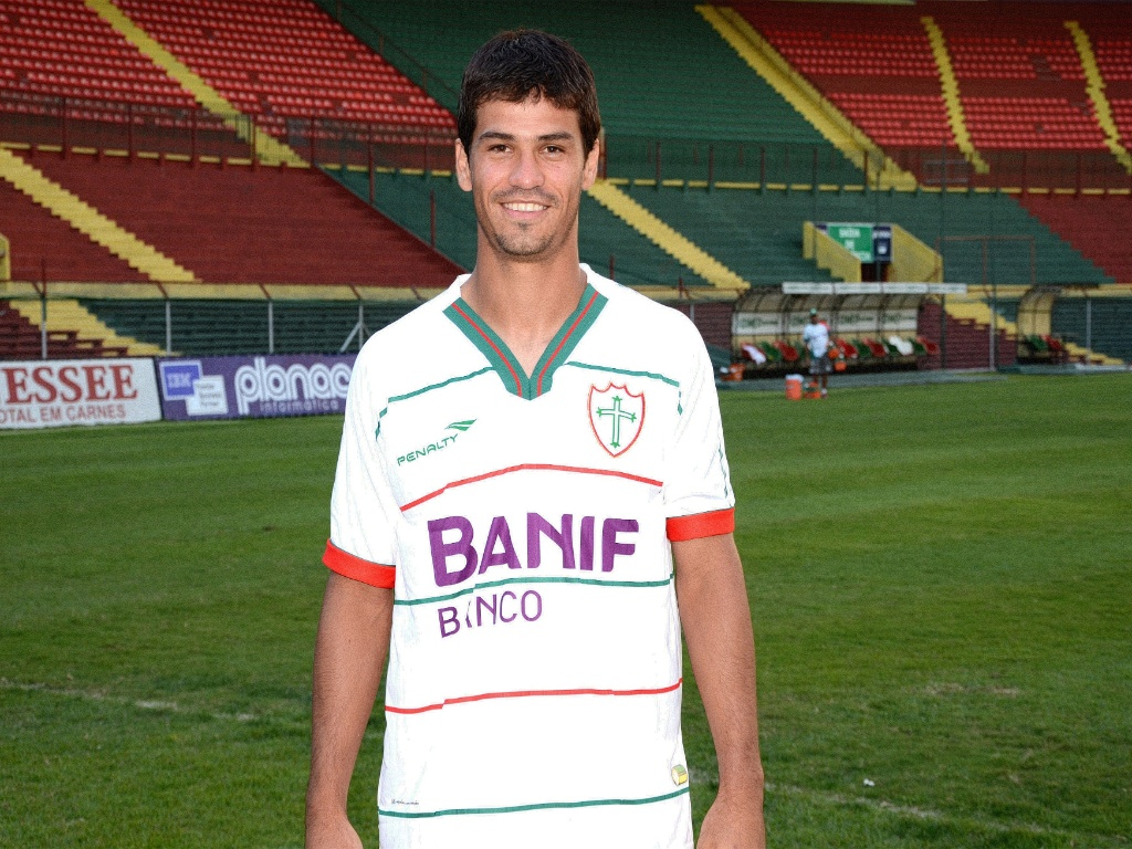 Zagueiro Rogério, novo reforço da Portuguesa (11/05/2011)