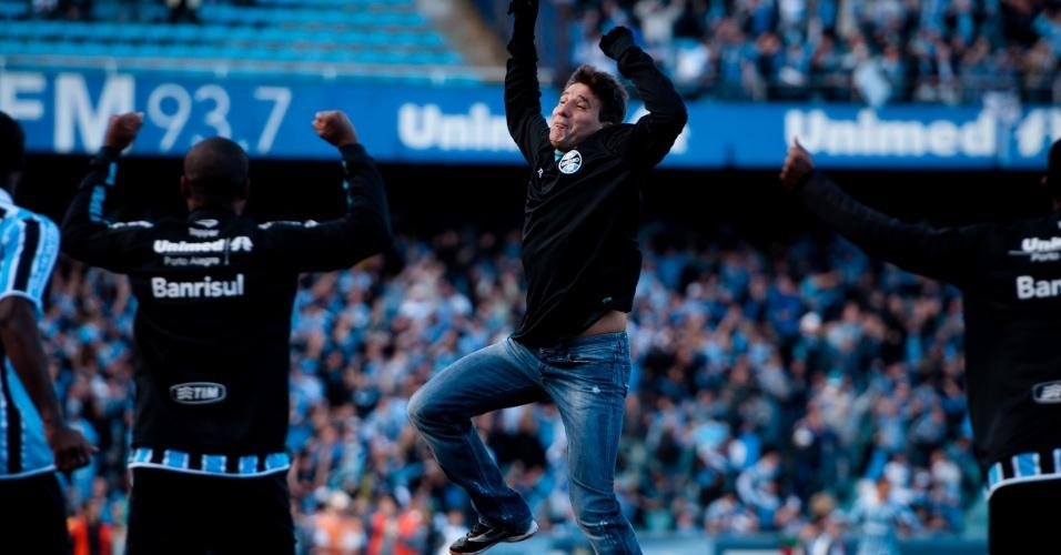 Técnico Renato Gaúcho comemora gol do Grêmio no Gre-Nal decisivo no Olímpico (15/05/2011)