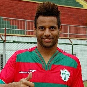 Éverton Luiz, novo zagueiro da Portuguesa