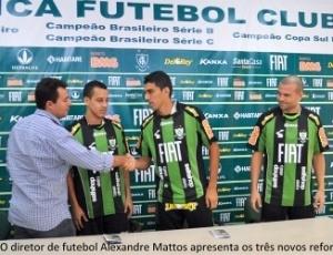 Reforços americanos são apresentados pelo diretor de futebol do clube mineiro, Alexandre Mattos