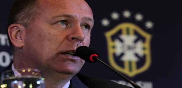 Treinador deve chamar o santista para Copa América, apesar da lesão na coxa - Antonio Lacerda/EFE