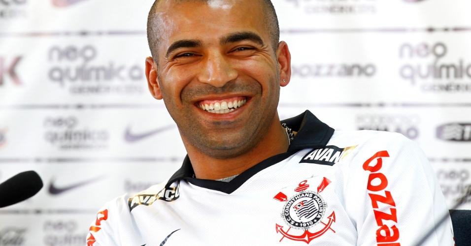 Émerson em apresentação no Corinthians (24/05/2011)