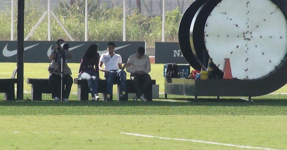 Dentinho visita ex-companheiros de Corinthians (25/05/2011)