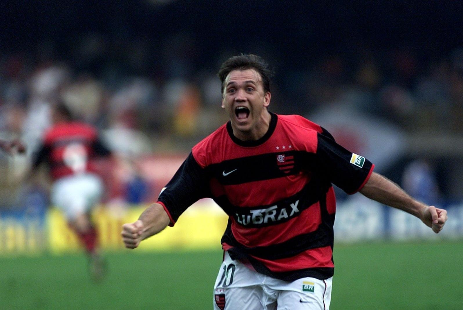 Gol épico de Pet pelo Flamengo contra o Vasco completa 14 anos - Esporte -  BOL 29a5cf99d48fe