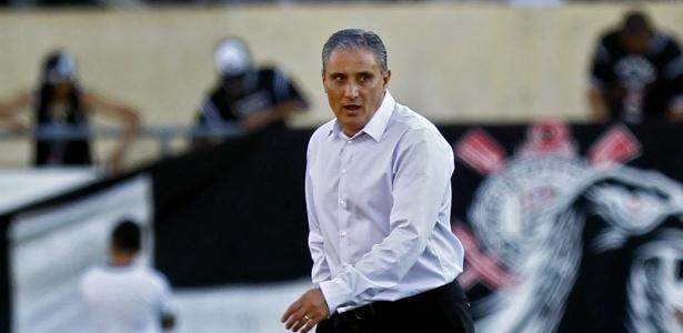 Tite, técnico do Corinthians, passou a encarar o fake no Twitter com bom humor