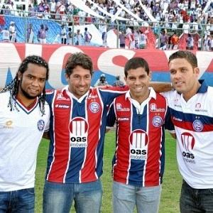 Carlos Alberto e Ricardinho, novos reforços do Bahia, são apresentados no Pituaçu (29/05/2011)