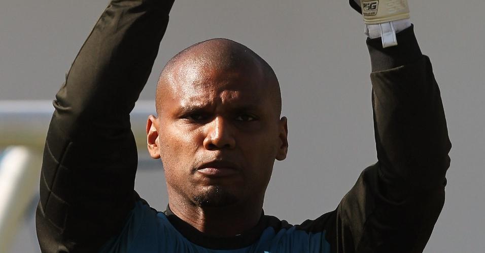 Goleiro Jefferson em ação durante treinamento do Botafogo (31/05/2011)