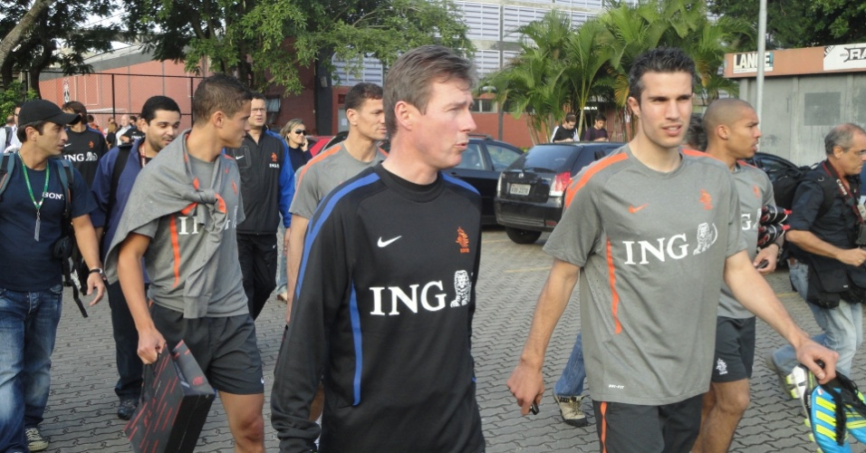 Van Persie, atacante holandês, se prepara para treino na Gávea (31/05/2011)
