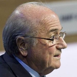 Fifa, presidida por Blatter (f), e COI devem ganhar ainda mais poderes para alterar valor de obras