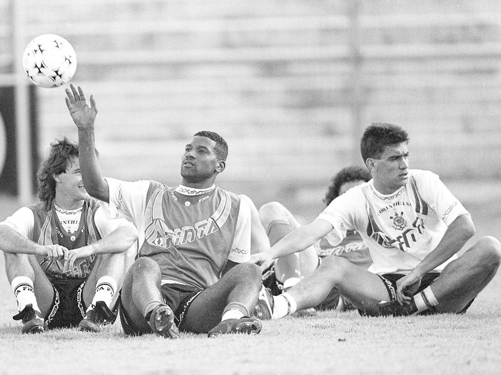 Tupãzinho, Viola e Gralak durante o treino do Corinthians (08/12/1994)