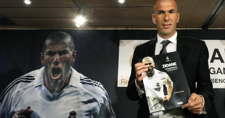 Zidane lança sua biografia (03/06/2011)