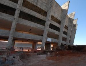 Obras do Mineirão, que seguem o cronograma, são ameaçadas pela greve dos trabalhadores