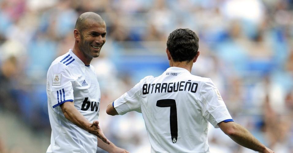 Zidane em amistoso de veteranos do Real (05/06/2011)