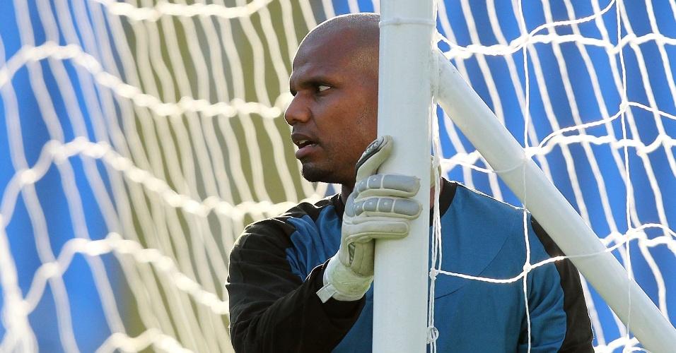 Goleiro Jefferson em ação durante treinamento do Botafogo (08/06/2011)