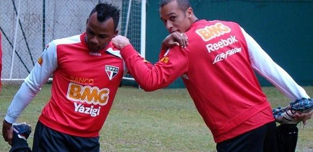 Fernandinho e Miranda treinam no São Paulo