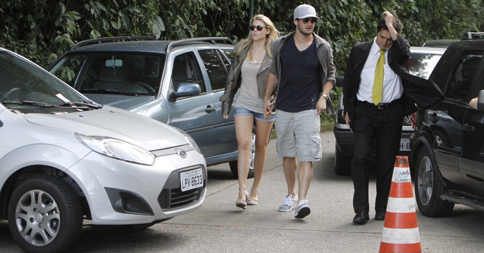 Barbara Berlusconi e Alexandre Pato em ida ao Corcovado, no Rio de Janeiro (12/06/2011)