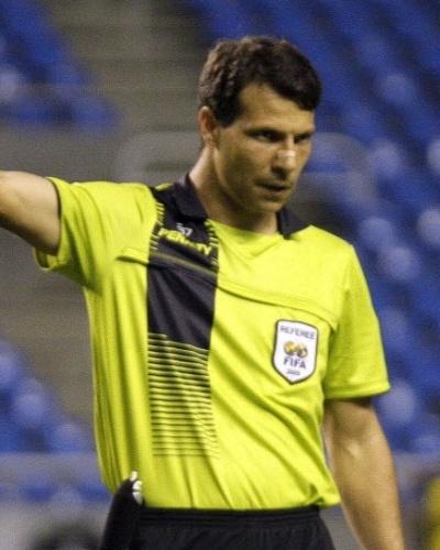 Ex-árbitro Leonardo Gaciba, que hoje atua como comentarista no Rio Grande do Sul