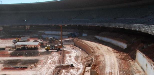 Mineirão está sendo reformado para receber jogos da Copa de 2014